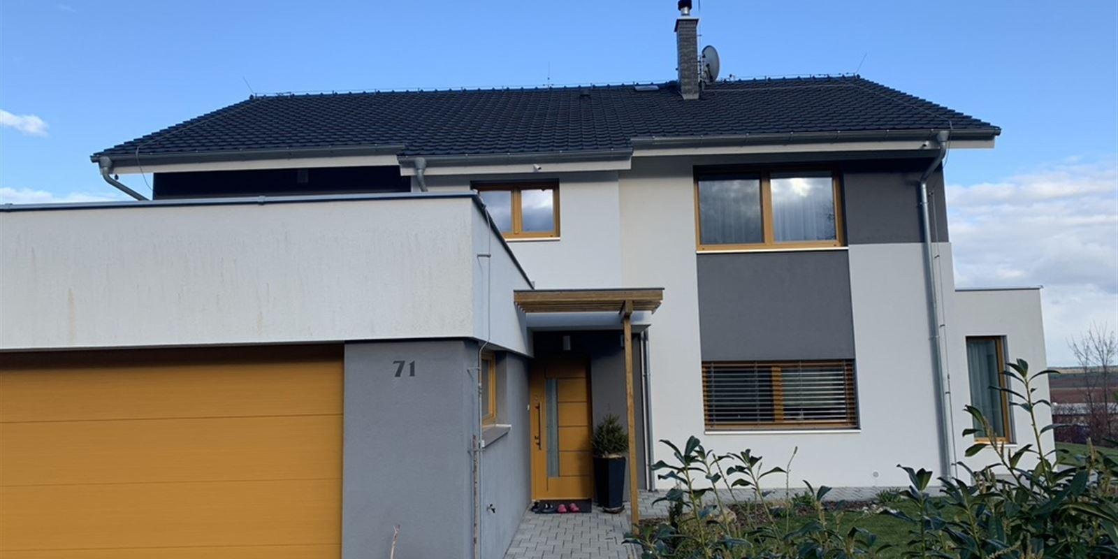 Vorlíček   Okna a dveře - Kompletní dodávka oken, vnějších žaluzií, garážových vrat   2015